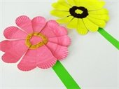 paper plate flowers in pink and yellow